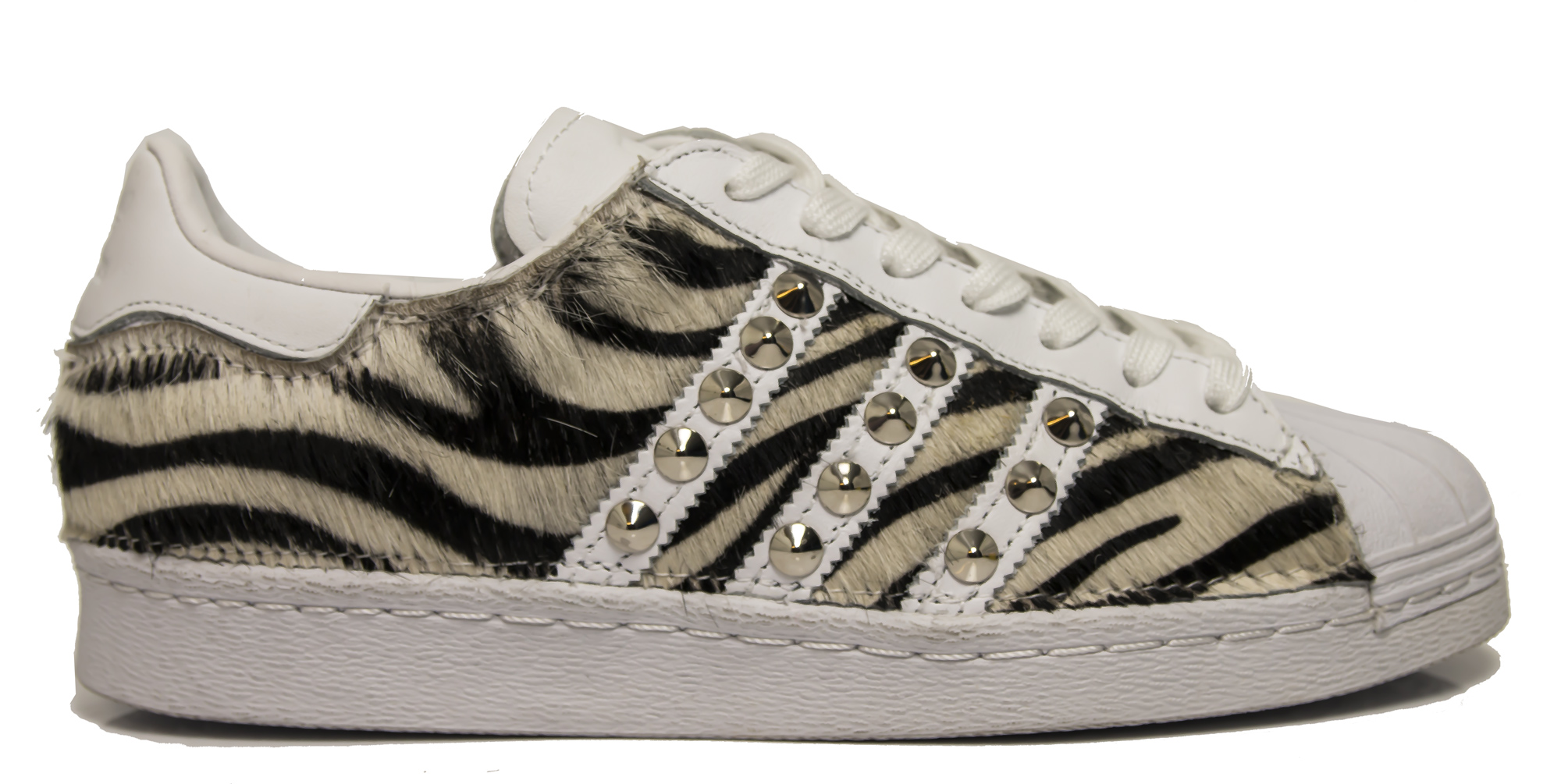 sports shoes ddc40 a1ee3 Sneakers Adidas Superstar NAIROBI personalizzate in cavallino zebra e  borchie