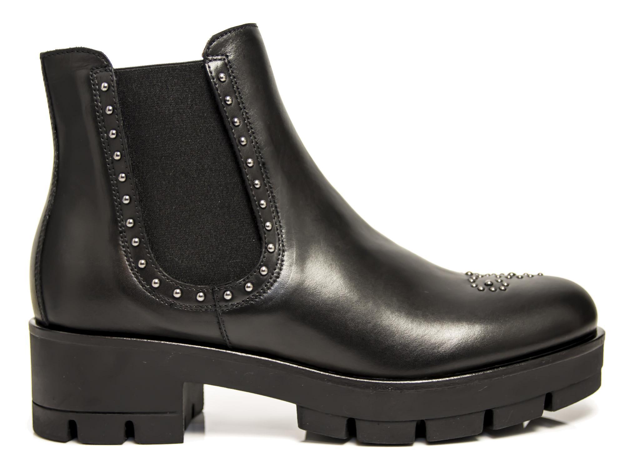 Polacchini NeroGiardini A806541-100 6541 scarpe donna beatles con borchie cfff988bc5d